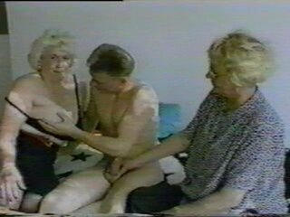 Videos from ooo-maturesex.com